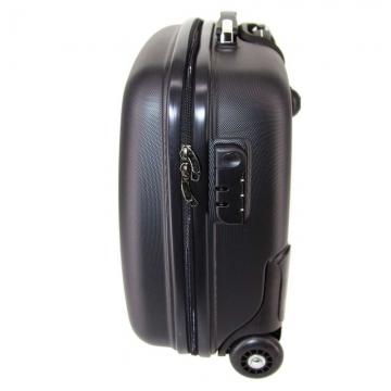 Пластиковый чемодан ручная кладь производства спб