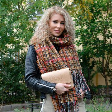 Женская кожаная сумка-клатч бежевая